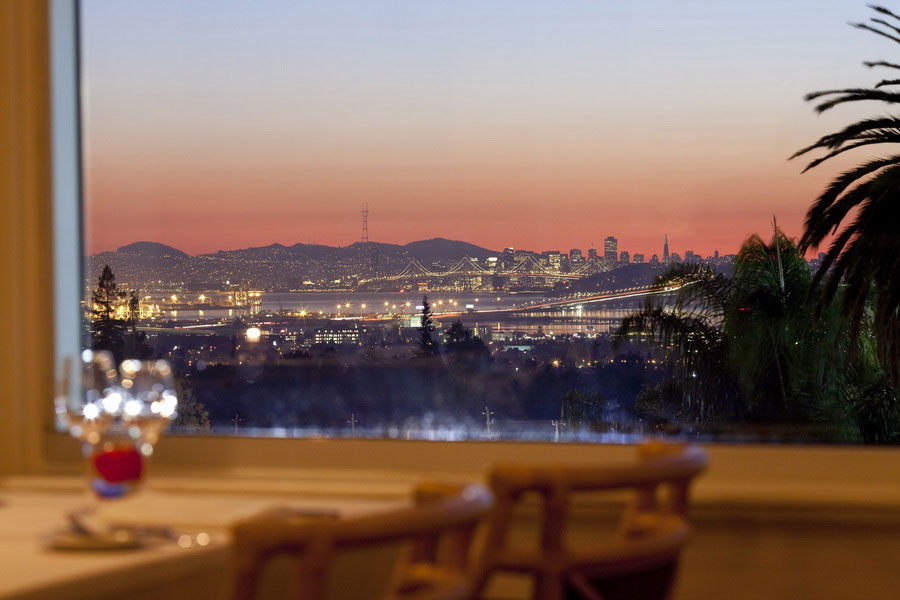 Dining room views overlooking San Francisco Bay (courtesy The Claremont Hotel).